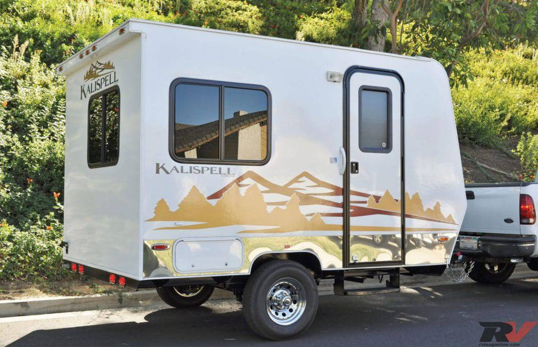 15 Fantastic Small Campers with Bathrooms & Showers (Travel Trailers