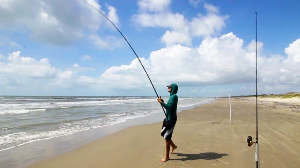 Surf Fishing | Tips & Tricks for Landing Massive Fish 1