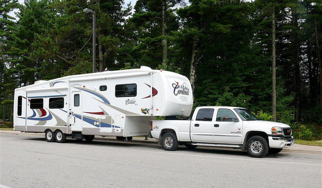 5Th Wheel Trailers >> The 5 Best 5th Wheels For Full Time Living Crow Survival