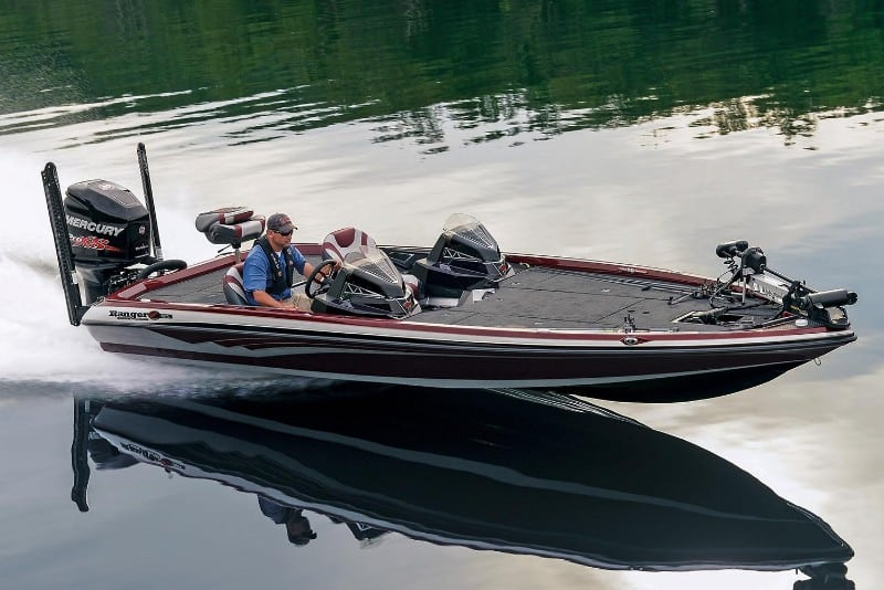 How Much Does A Bass Boat Weigh? With 19 Examples 5