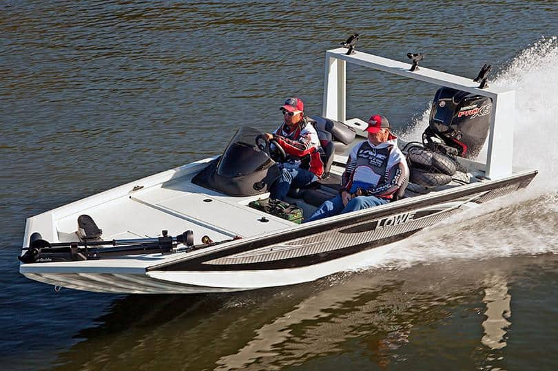 How Much Does A Bass Boat Weigh? With 19 Examples 1