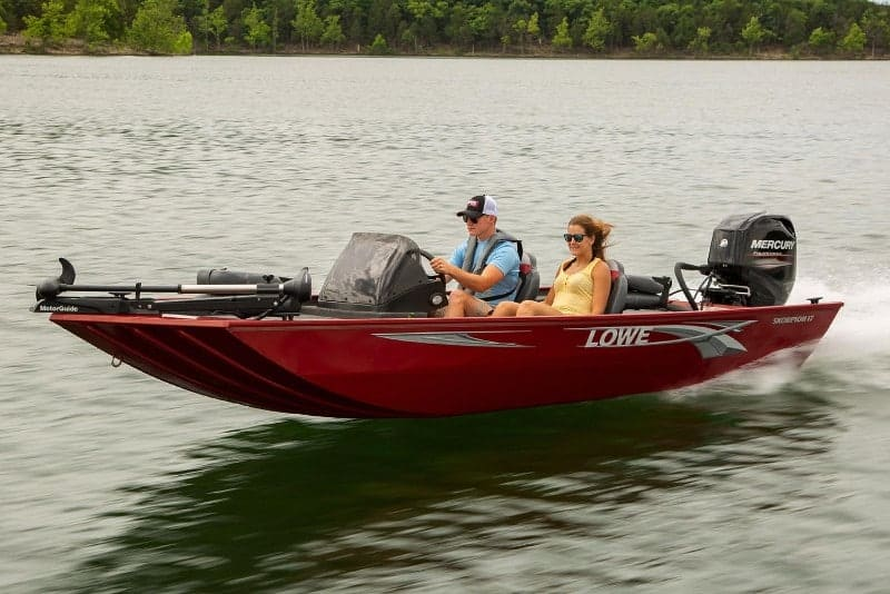 How Much Does A Bass Boat Weigh? With 19 Examples 17