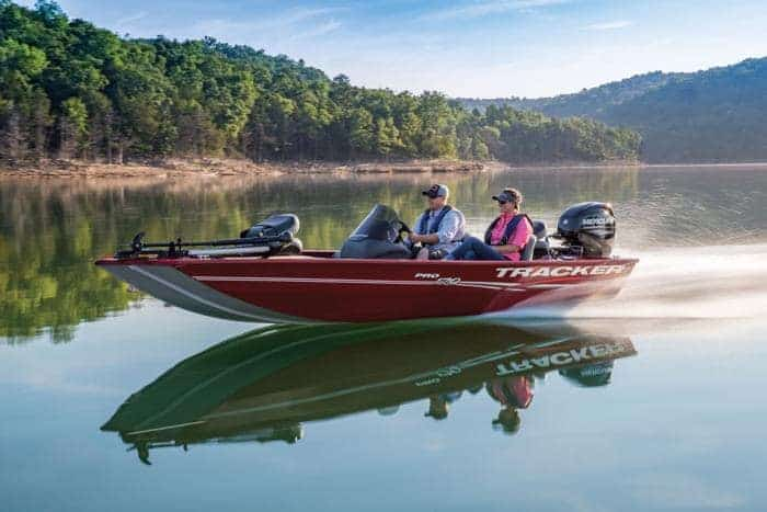 How Much Does A Bass Boat Weigh? With 19 Examples 10