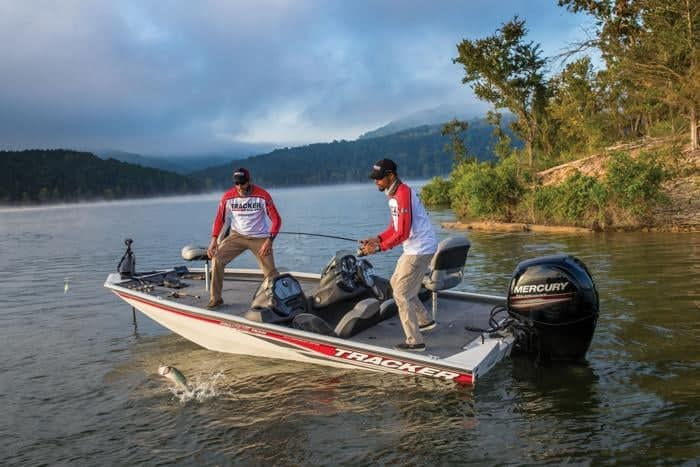 How Much Does A Bass Boat Weigh? With 19 Examples 7