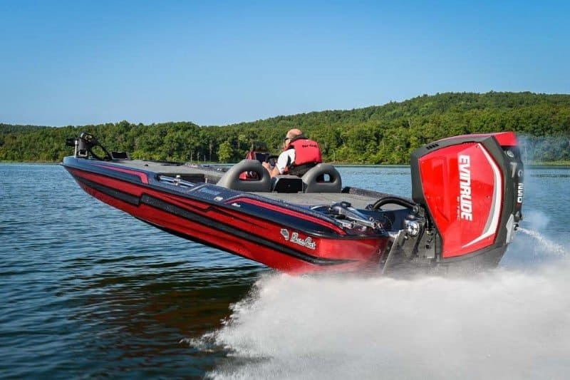 How Much Does A Bass Boat Weigh? With 19 Examples 11
