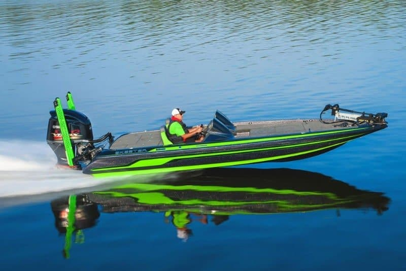 How Much Does A Bass Boat Weigh? With 19 Examples 15