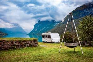 ultralightweight travel trailers under 2000 lbs