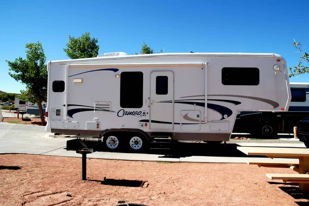 5Th Wheel Trailers >> 5th Wheel Hitch Installation Cost Diy Shop Fitted Crow