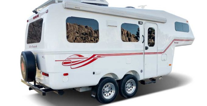5Th Wheel Trailers >> Five Of The Best Small 5th Wheel Trailers Crow Survival