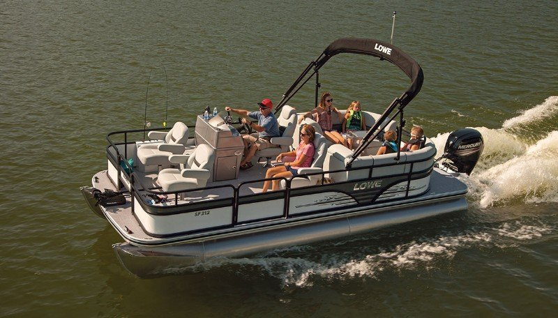 Guide to Pontoon Boats Plus 9 Of The Best 3