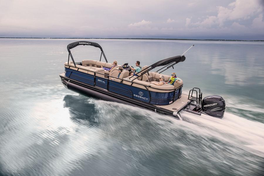 Guide to Pontoon Boats Plus 9 Of The Best 4