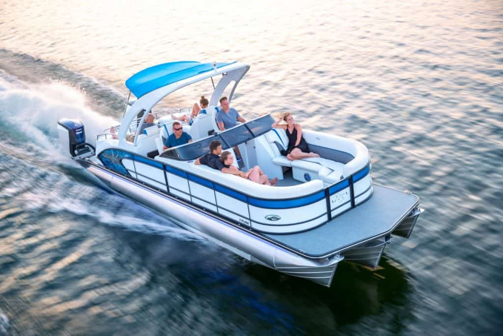 Guide to Pontoon Boats Plus 9 Of The Best 7
