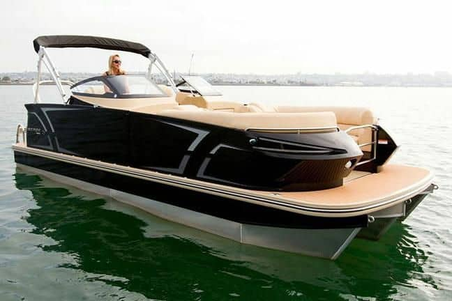 Guide to Pontoon Boats Plus 9 Of The Best 5