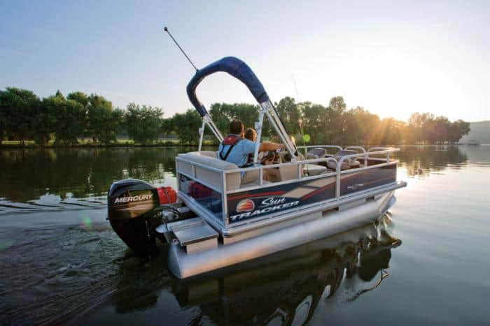 Guide to Pontoon Boats Plus 9 Of The Best 2
