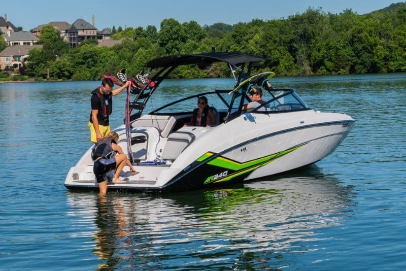 The 7 Best Jet Boats + In depth Buying Guide 3