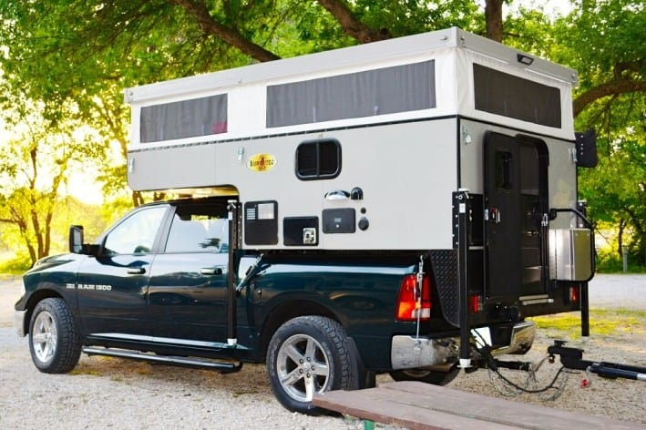Pop up truck camper