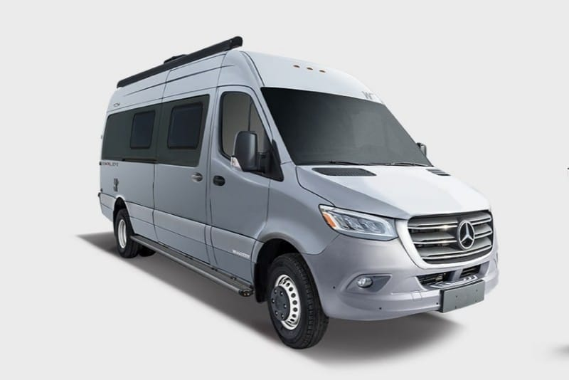 9 Minivan Campers That Make Great Use Of Space 2