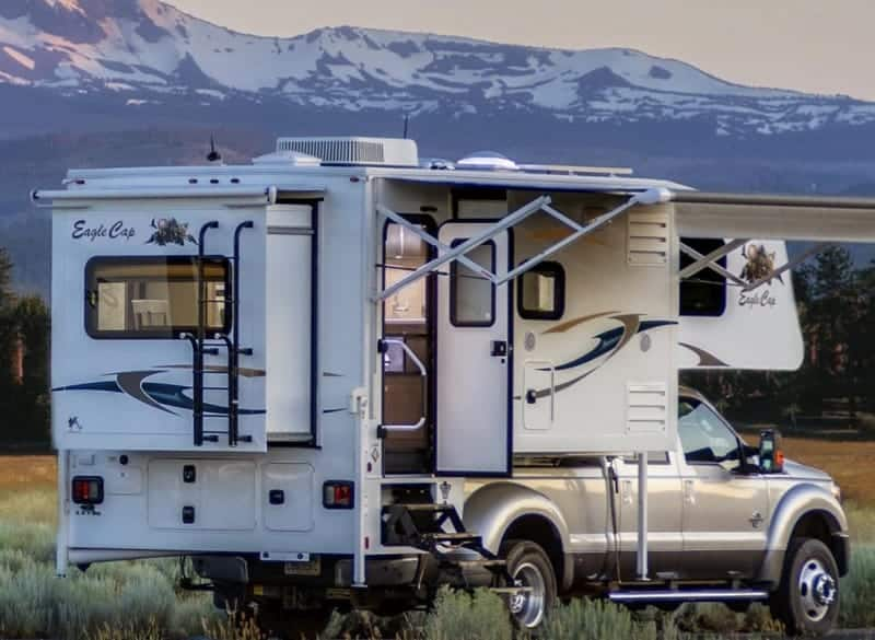 Eagle Cap Luxury Truck Camper Model 1200