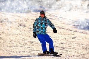 can you snowboard with glasses on