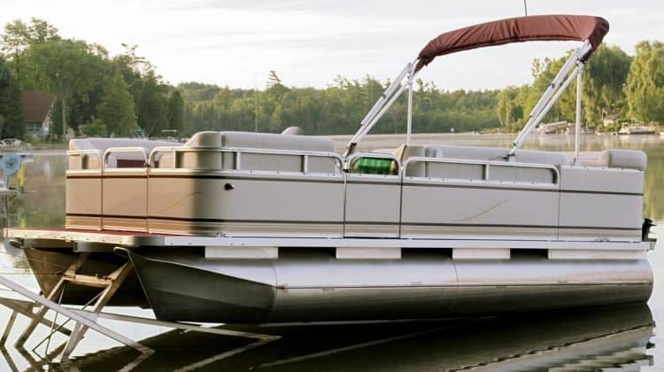 Pressurizing Pontoon Boats: Are Pontoon Boat Pontoons Pressurized or Not