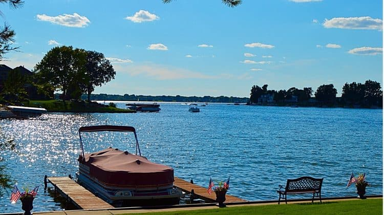 are pontoon boats easy to maintain